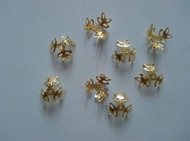 Fém gyöngykupak - 13mm - arany szín - 30 db / csomag