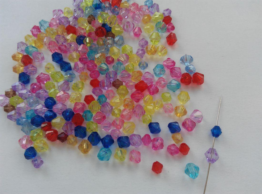 Akrilgyöngy - 4-5mm - vegyes szín - 100 db / csomag