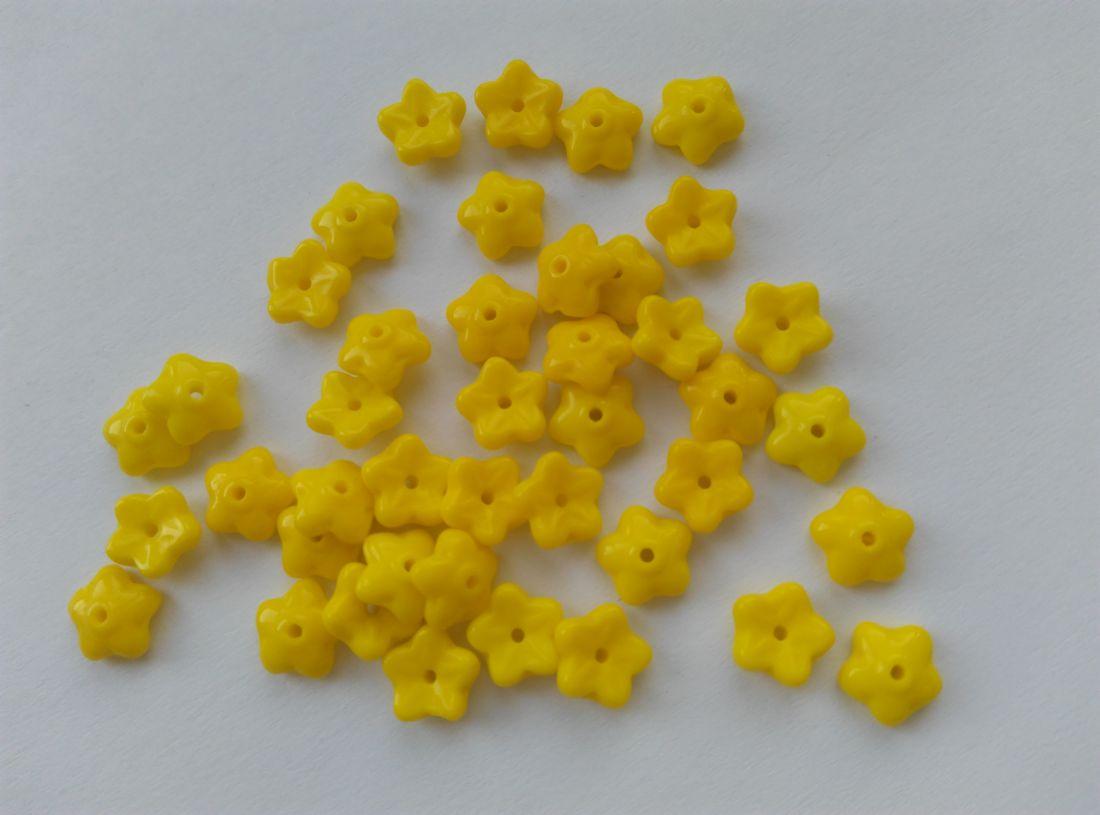 Cseh üveggyöngy virág, gyöngykupak - 7mm - citrom - 20 db / csomag