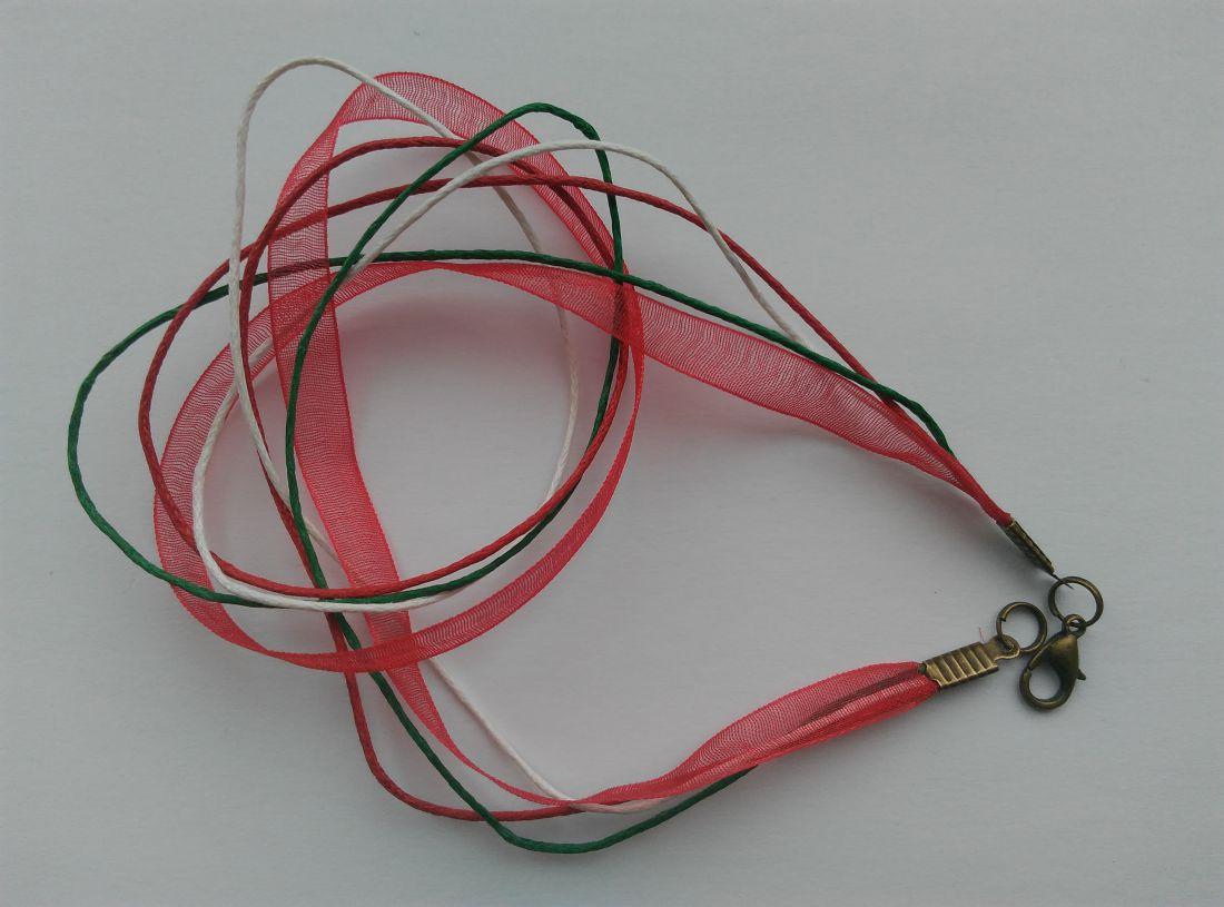 Organzás nyaklánc alap - nemzeti színű - sárgaréz színű zárral (1 db)
