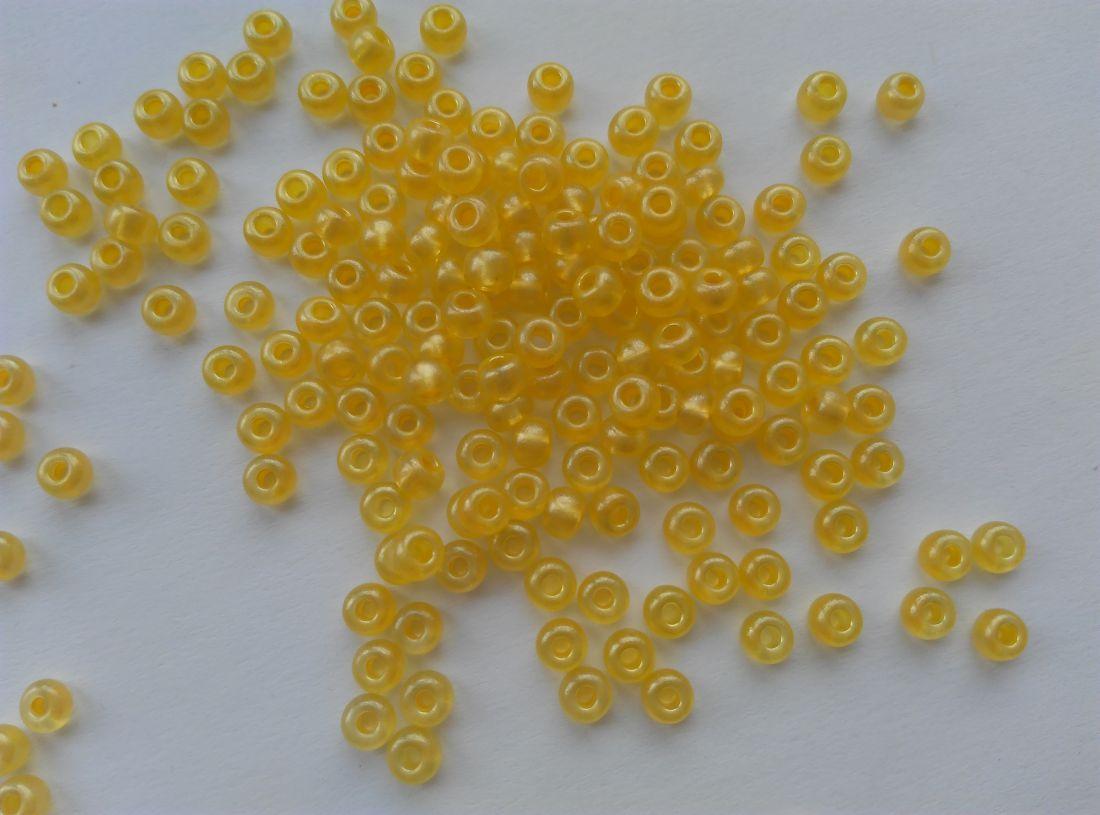 Cseh kásagyöngy - 6/0 méret - 25 gramm / csomag - citrom